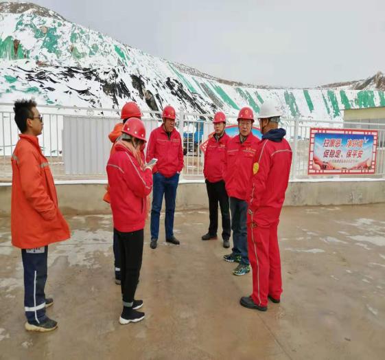 中国建材集团公司领导莅临白银榆树沟大理岩矿山检查工作