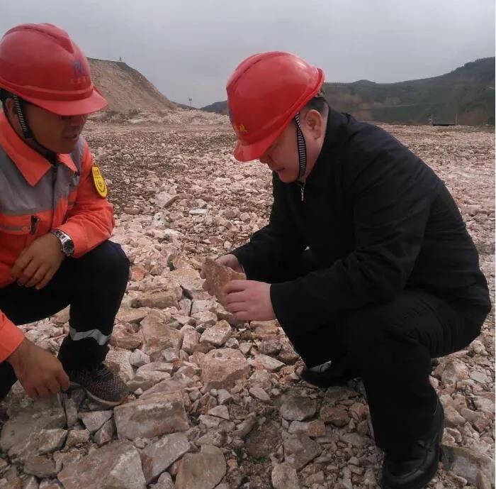 天水市应急管理局检查中材天水项目部矿山千亿体育官网生产工作
